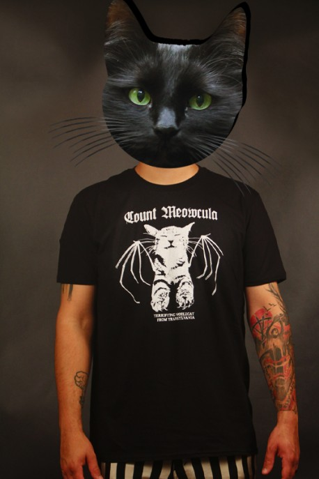"""T-shirt """"Count Meowcula"""" white"""